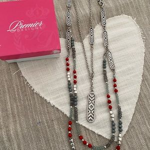 Premier Designs Necklace set
